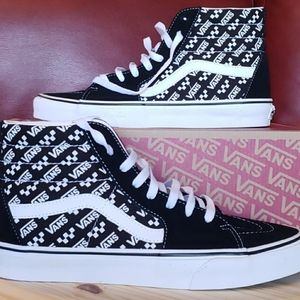 New vans sk8-hi (log repeat/black/ white).size 9.5